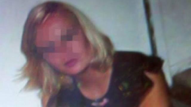 cabeleileira russa faz ladrão escravo sexual